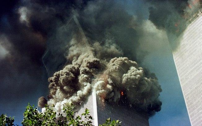 11 de setembro pessoas se jogando